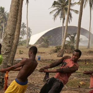Foreign Affairs - Haduwa apata_Julien-Lanoo