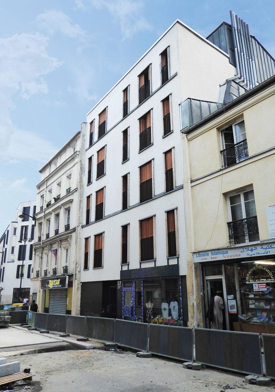 Immeuble de 4 logements sociaux situé rue Myrha à Paris